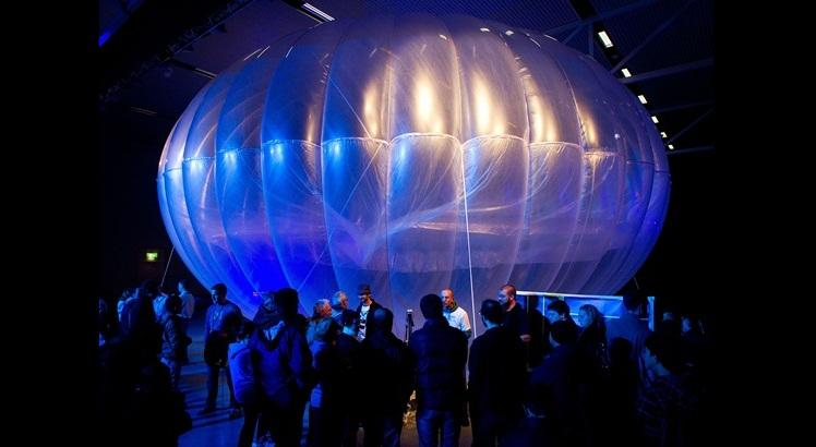 Balão do Project Loon (AFP PHOTO / Marty MELVILLE)