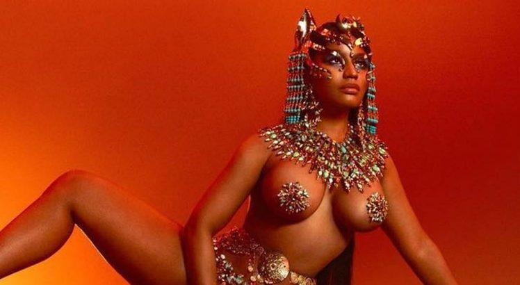 Capa do CD 'Queen' novo álbum da Nick Minaj ok