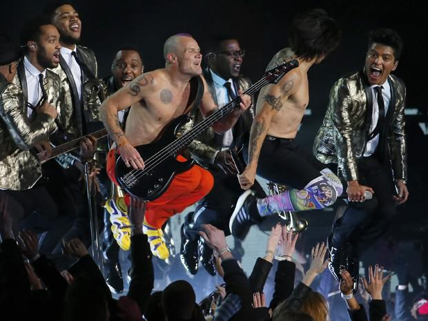 A performance de Bruno Mars e Red Hot Chili Peppers