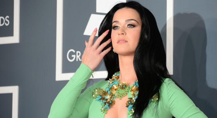 Katy Perry supera Taylor Swift e tem o clipe feminino mais visto no Youtube