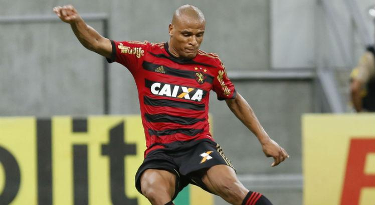 Patric, lateral-direito, Sport, AG1